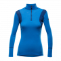 hiking-half-zip-neck-woman